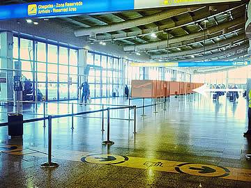 Autovermietung Schreibtische im Terminal