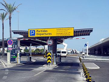 Faro Flughafen - Eingang zum Park Kiss & Fly - Abflüge