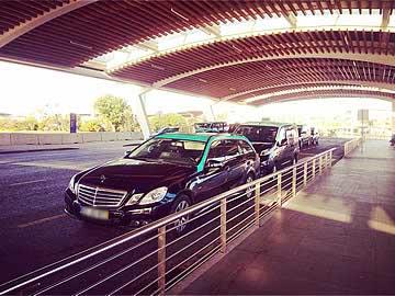 4 und 8 Sitzer Taxis am Flughafen Faro
